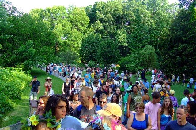 crowd-jpg